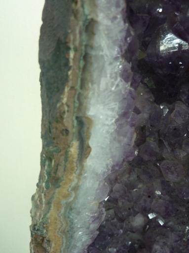 """penanda """"ulang tahun"""" batuan kristal"""